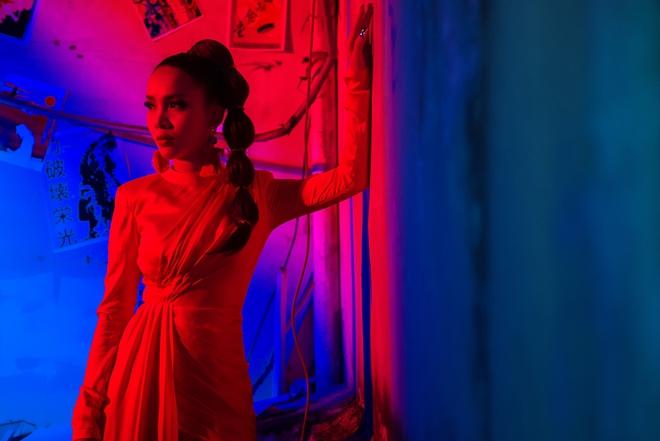 Hậu The Remix, Yến Trang hoá nàng Geisha ma mị trong MV mới - Ảnh 11.