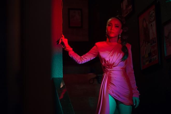 Hậu The Remix, Yến Trang hoá nàng Geisha ma mị trong MV mới - Ảnh 12.