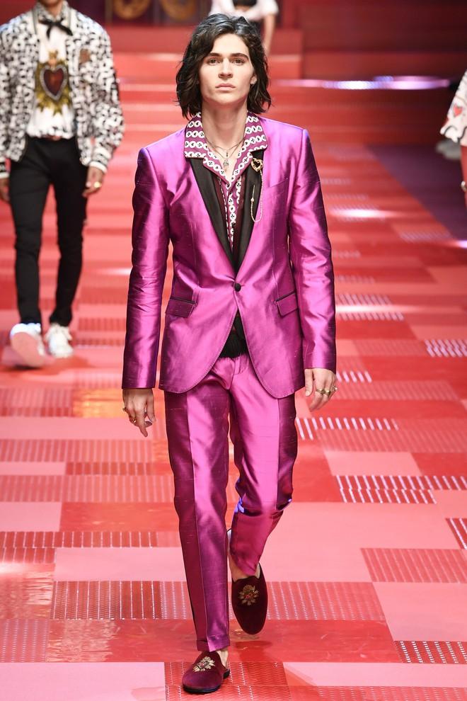 Sàn diễn Dolce&Gabbana thành Đại hội mỹ nam, nổi nhất là Mario Maurer và Vương Tuấn Khải! - Ảnh 12.
