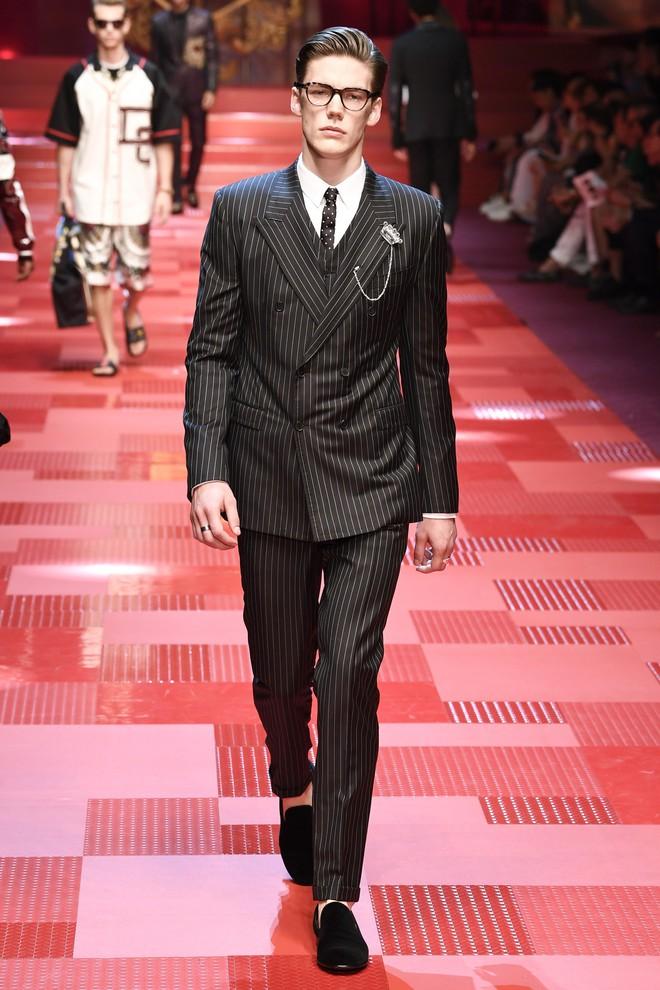 Sàn diễn Dolce&Gabbana thành Đại hội mỹ nam, nổi nhất là Mario Maurer và Vương Tuấn Khải! - Ảnh 13.