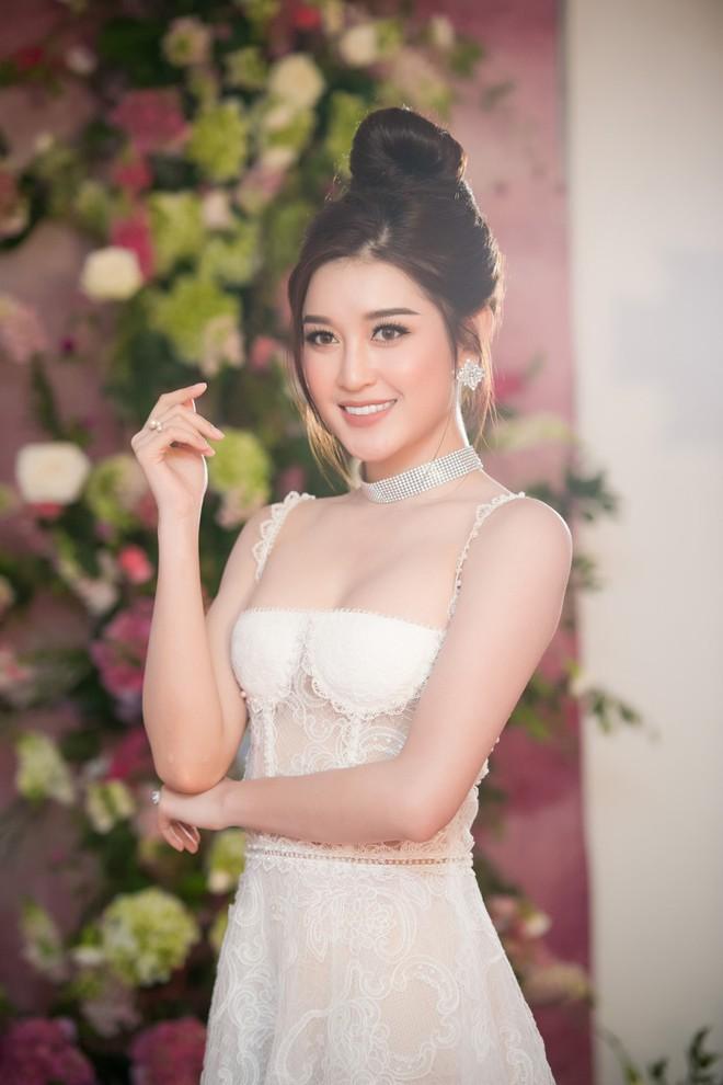 Dàn sao Việt, Hoa hậu, Á hậu nói gì khi biết tin Đặng Thu Thảo sắp cưới chồng? - Ảnh 4.