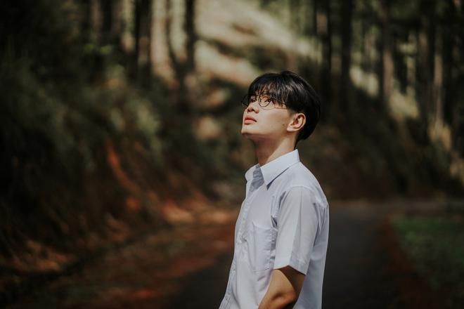 MV về tuổi thanh xuân đậm chất đam mỹ của Đào Bá Lộc: Nhẹ nhàng nhưng đủ để lại ấn tượng! - Ảnh 3.