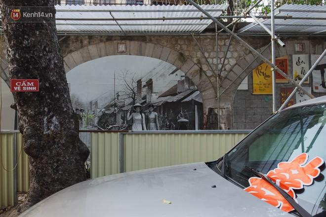 Hà Nội: Dự án bích họa trên phố Phùng Hưng bị đắp chiếu, biến thành bãi gửi xe bất đắc dĩ sau 1 tháng triển khai - ảnh 5