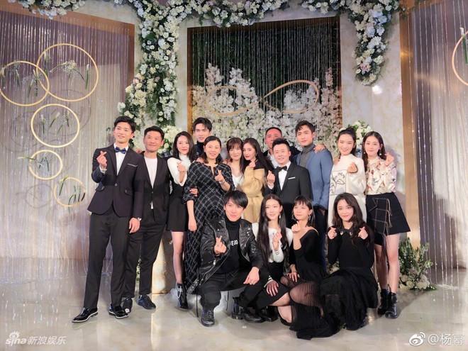 Đám cưới nhỏ bất ngờ thu hút chú ý vì sự xuất hiện xinh đẹp lấn át cô dâu của Dương Mịch - Ảnh 7.