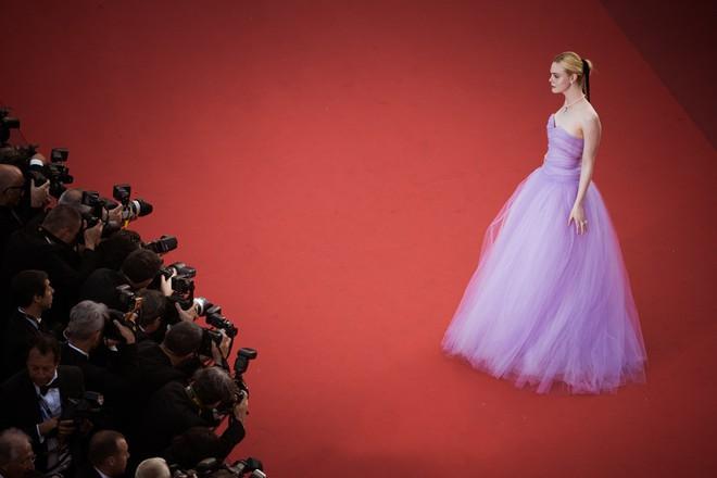 Phạm Băng Băng đã chịu lấy lại phong độ, đẹp không thua kém Elle Fanning trên thảm đỏ Cannes - Ảnh 7.