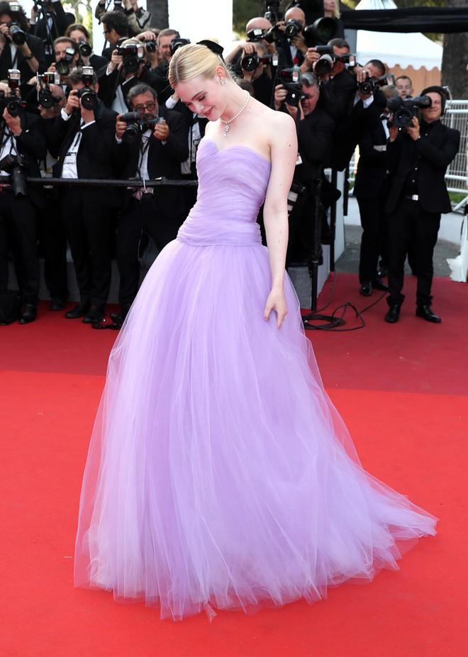 Phạm Băng Băng đã chịu lấy lại phong độ, đẹp không thua kém Elle Fanning trên thảm đỏ Cannes - Ảnh 8.