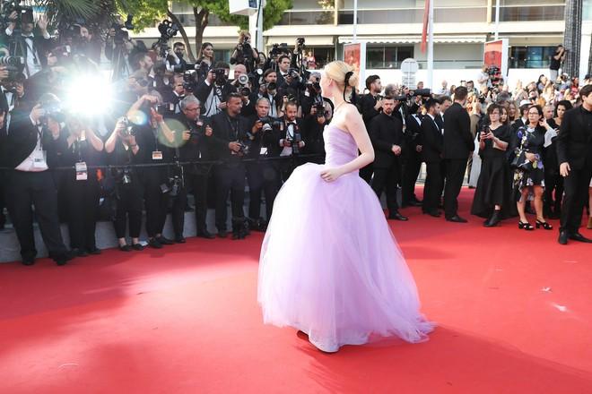 Phạm Băng Băng đã chịu lấy lại phong độ, đẹp không thua kém Elle Fanning trên thảm đỏ Cannes - Ảnh 11.