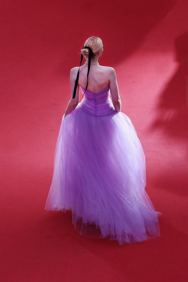 Phạm Băng Băng đã chịu lấy lại phong độ, đẹp không thua kém Elle Fanning trên thảm đỏ Cannes - Ảnh 10.