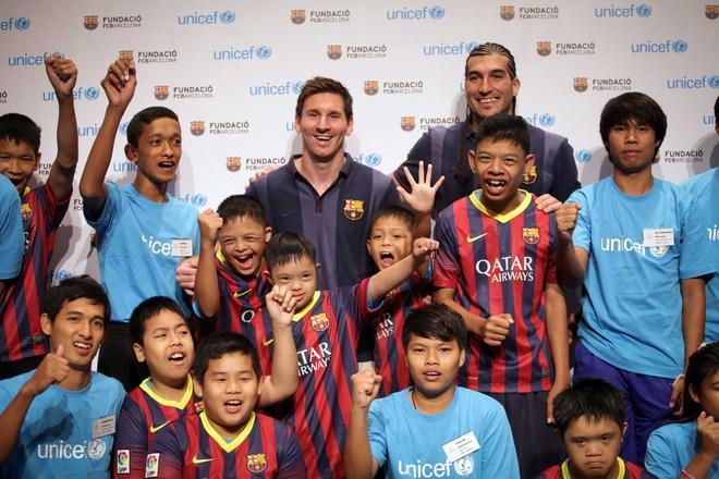 Có một Messi bền bỉ làm từ thiện - Ảnh 2.