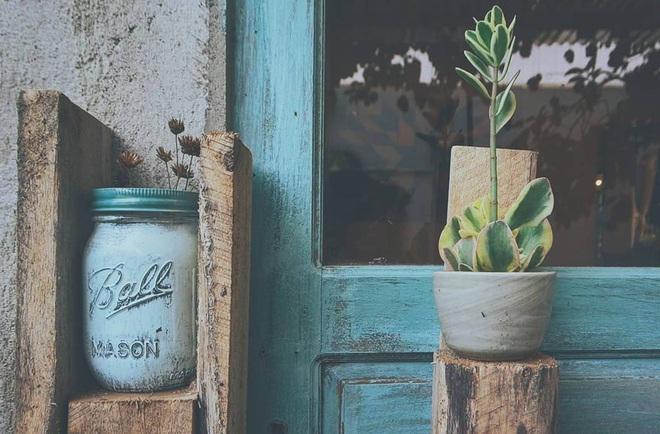 Có một Đà Lạt rất dễ thương: Chủ homestay về quê, bạn muốn mua gì cứ tự lấy rồi để lại tiền dưới căn bếp gỗ nha! - Ảnh 4.
