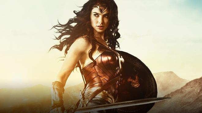Đẹp chim sa cá lặn như Wonder Woman thì không cần động thủ, kẻ thù nào cũng sẽ xin chết! - Ảnh 31.