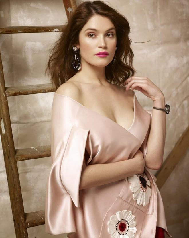 Top 15 nữ diễn viên nóng bỏng khiến khán giả khó rời mắt khỏi màn ảnh Hollywood hiện nay - Ảnh 14.