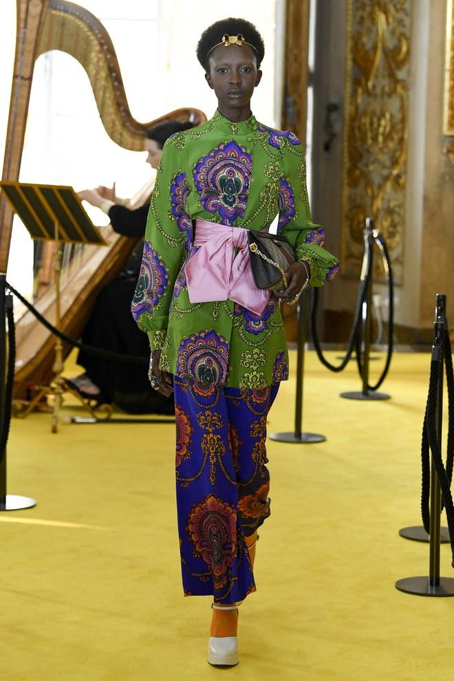 Dự show Gucci, Sooyoung (SNSD) không bị lọt thỏm giữa dàn sao quốc tế nhờ mặc sexy - Ảnh 11.