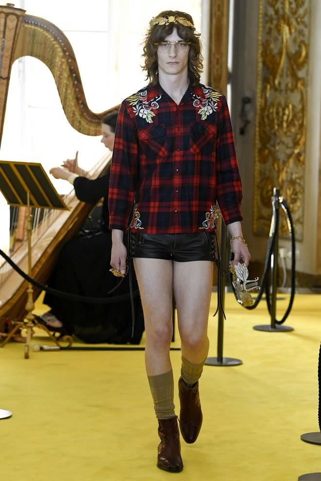 Dự show Gucci, Sooyoung (SNSD) không bị lọt thỏm giữa dàn sao quốc tế nhờ mặc sexy - Ảnh 12.