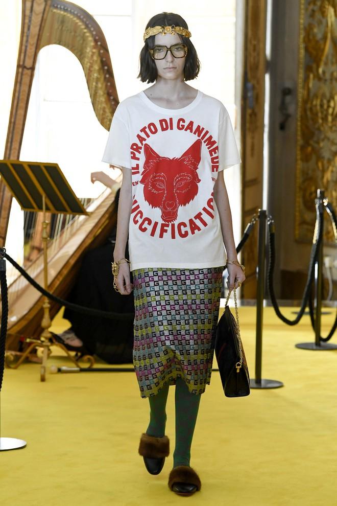 Dự show Gucci, Sooyoung (SNSD) không bị lọt thỏm giữa dàn sao quốc tế nhờ mặc sexy - Ảnh 13.