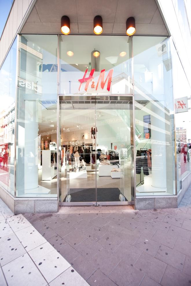 Chính thức: H&M thông báo mở store 2 tầng, rộng 2.200m2 vào mùa thu này tại Sài Gòn - Ảnh 1.