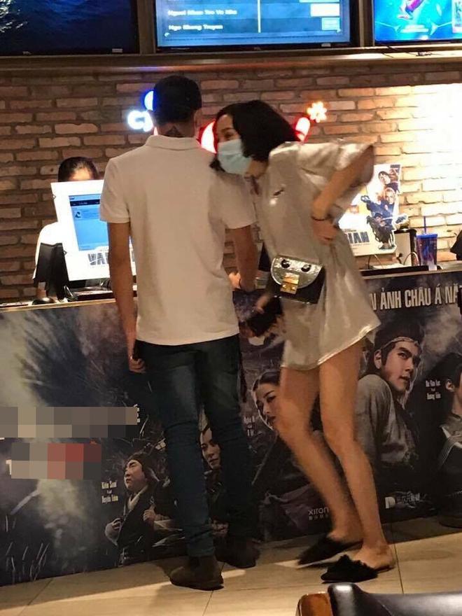 Tin nóng: Lộ clip Soobin Hoàng Sơn ôm hôn Hiền Hồ (The Voice)  - Ảnh 3.