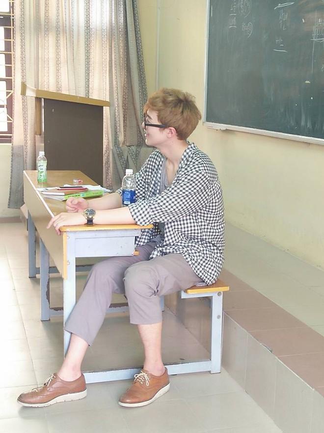 Ở Hà Nội có một thầy giáo người Hàn Quốc cool hơn cả idol!
