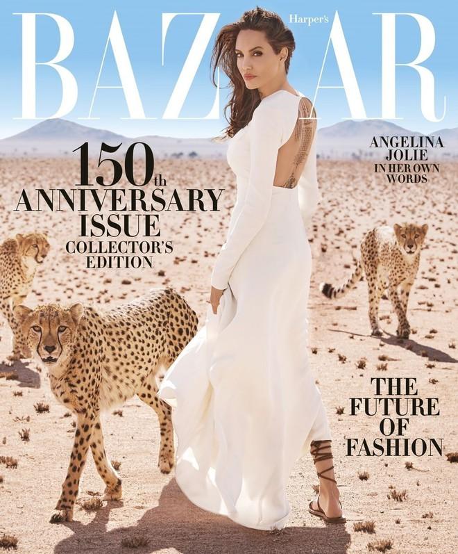Angelina Jolie chứng minh đẳng cấp huyền thoại nhan sắc thế kỷ 21 với bộ ảnh đẹp say lòng người - Ảnh 1.