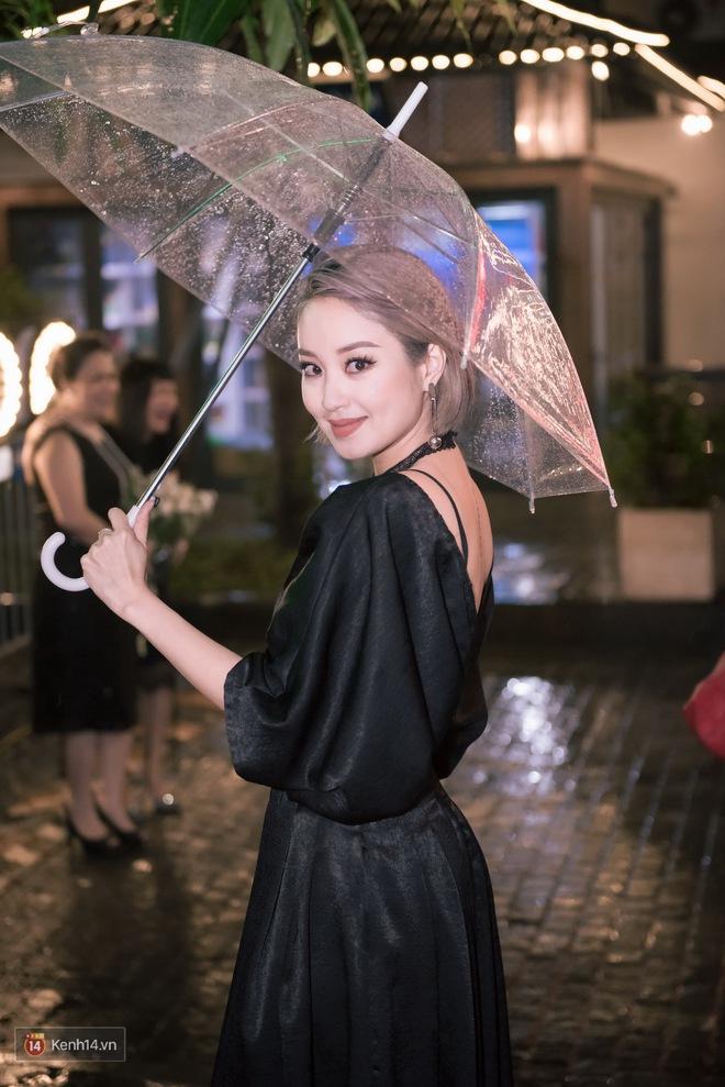 Thuỳ Chi dịu dàng, hội ngộ dàn người đẹp Hà thành tại sự kiện - Ảnh 3.