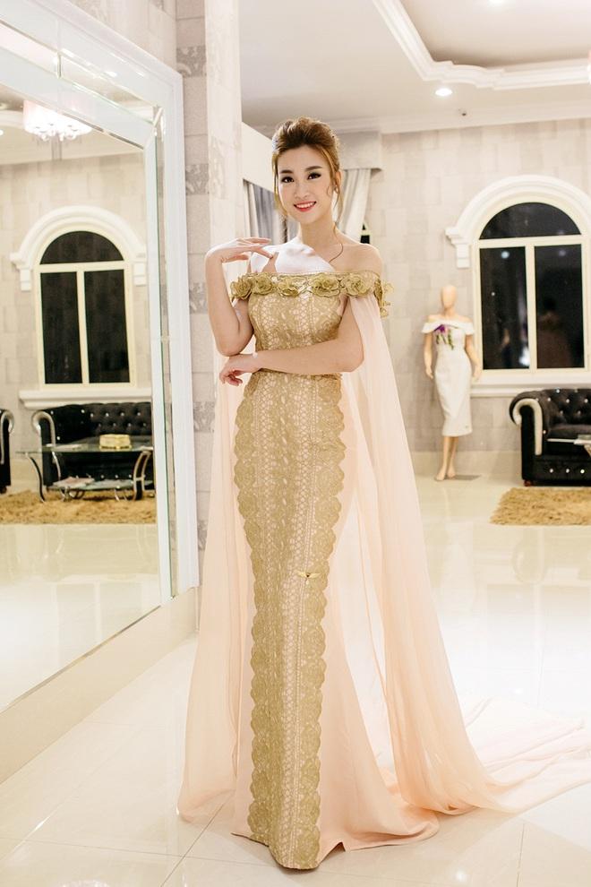 Hoa hậu Mỹ Linh đẹp kiêu sa, đọ sắc bên đàn chị Vũ Thu Phương - Ảnh 2.
