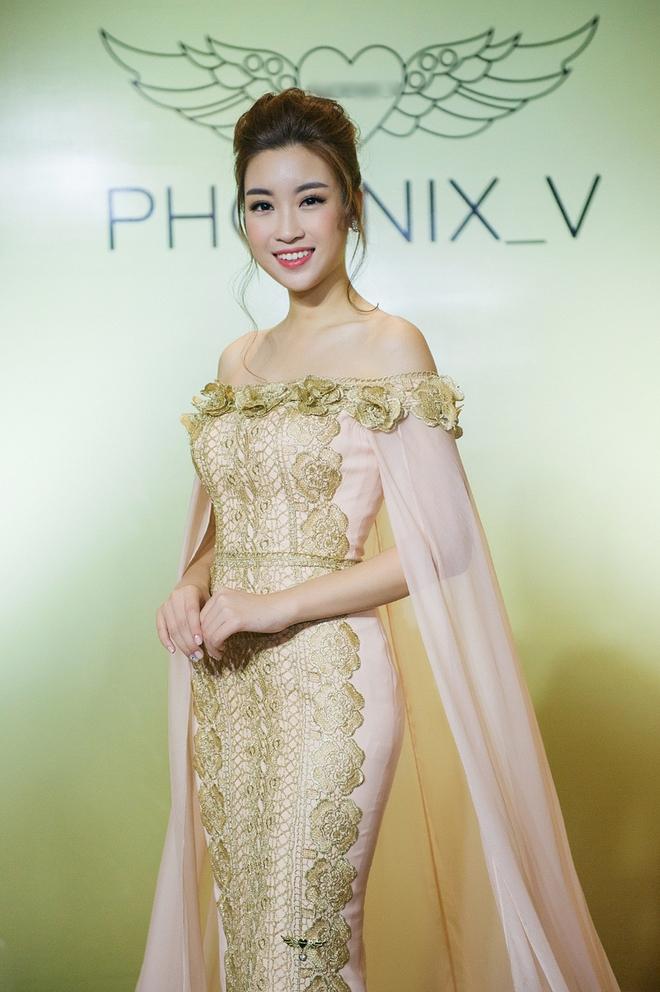 Hoa hậu Mỹ Linh đẹp kiêu sa, đọ sắc bên đàn chị Vũ Thu Phương - Ảnh 3.