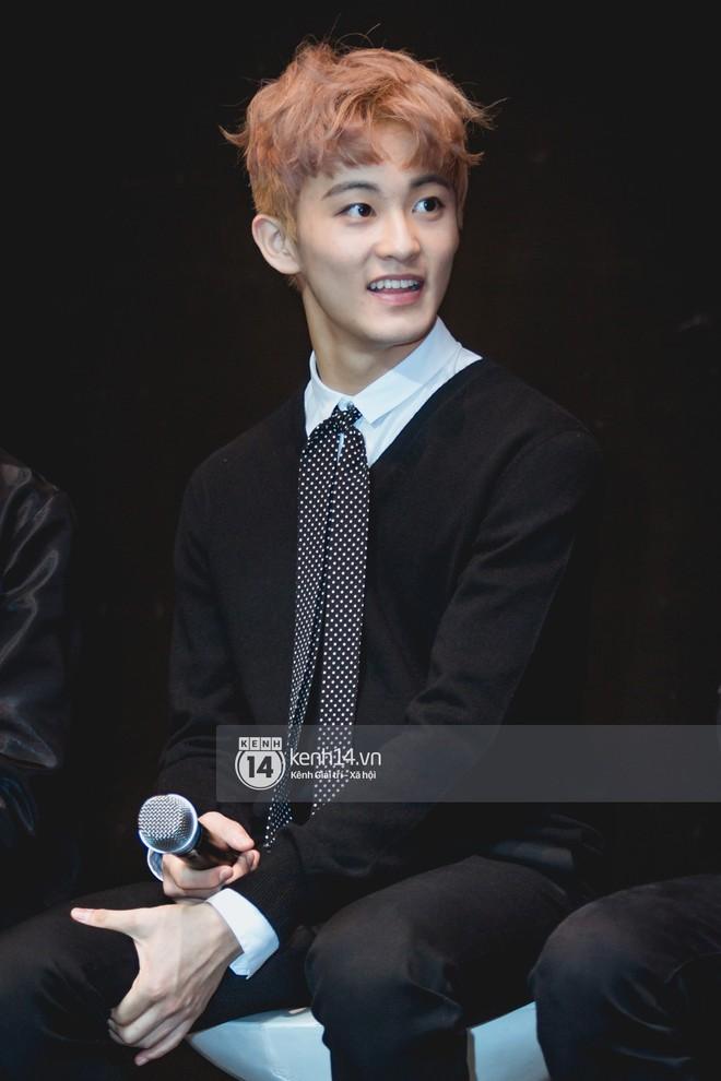 Mỹ nam Taeyong tiết lộ muốn ở lại Việt Nam, NCT 127 đồng loạt tỏ tình Anh yêu em với fan tại họp báo ở Hà Nội - Ảnh 8.
