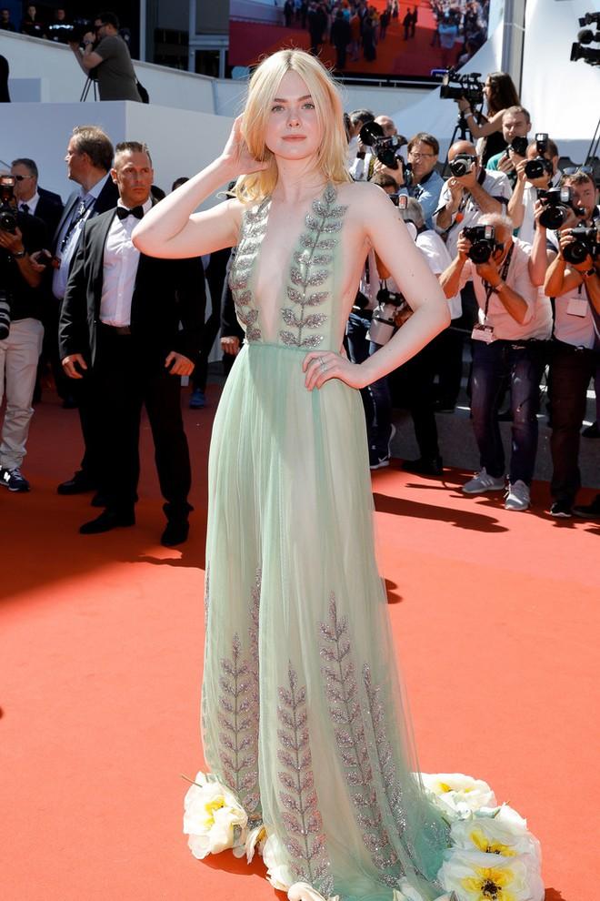 Thảm đỏ Cannes ngày 5 bỗng xuất hiện một nàng tiên hoa xinh đẹp đến nao lòng! - Ảnh 4.