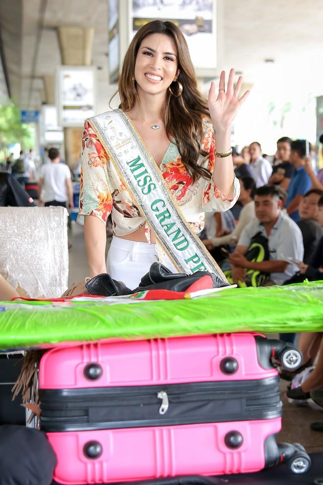 Từ trượt top 15, Huyền My trở lại ngoạn mục dẫn đầu danh sách thí sinh được yêu thích nhất tại Miss Grand International 2017 - Ảnh 5.