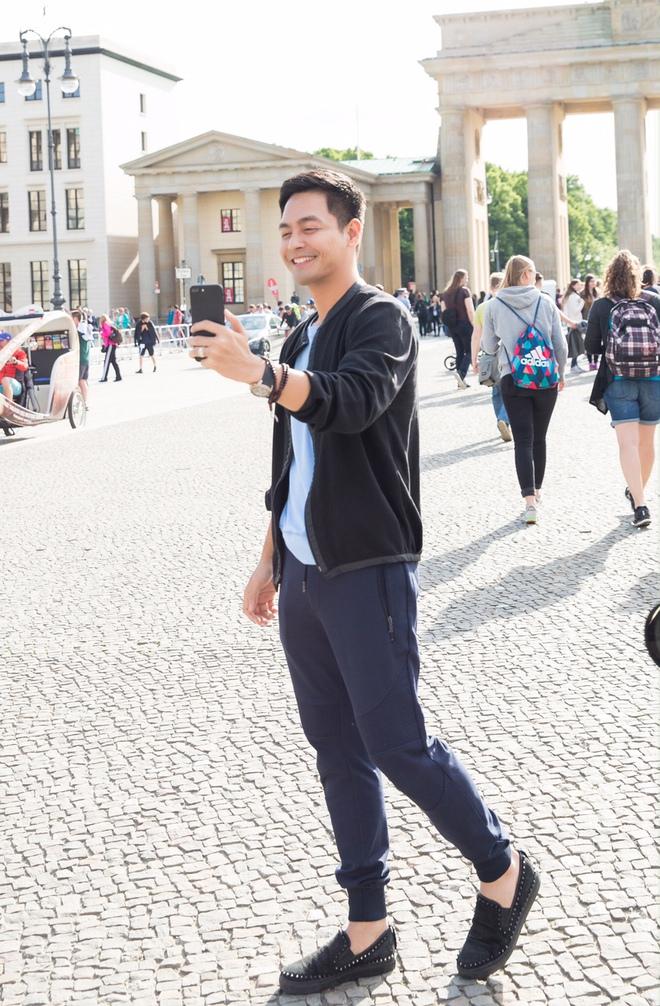 Ngọc Trinh và dàn chân dài hào hứng thăm Berlin bằng siêu xe - Ảnh 4.