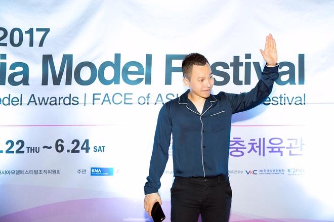 Lê Hà kín đáo bất ngờ, Quỳnh Thư gợi cảm khoe sắc tại Hàn Quốc - Ảnh 6.