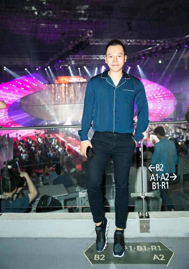 Lê Hà kín đáo bất ngờ, Quỳnh Thư gợi cảm khoe sắc tại Hàn Quốc - Ảnh 7.