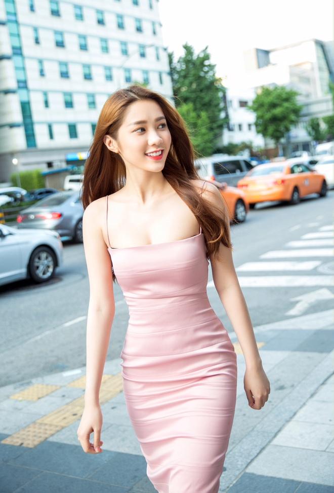Lê Hà kín đáo bất ngờ, Quỳnh Thư gợi cảm khoe sắc tại Hàn Quốc - Ảnh 10.