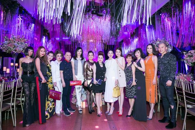 Ngọc Trinh ngọt ngào, Quỳnh Thư bốc lửa hội ngộ dàn sao tại tiệc VIP - Ảnh 22.