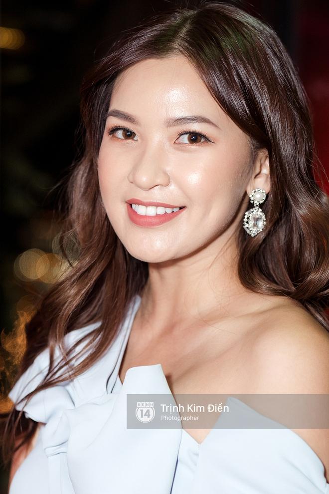 Hội ngộ tại sự kiện làm đẹp, Châu Bùi trung thành với son đỏ trong khi các beauty blogger Việt diện đủ màu son thời thượng - Ảnh 4.