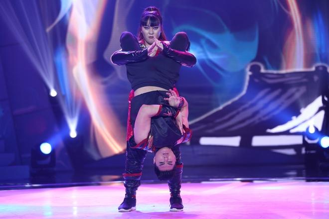 Trấn Thành chọc ghẹo chuyện tình cảm của Lâm Vinh Hải trên sóng truyền hình - ảnh 2