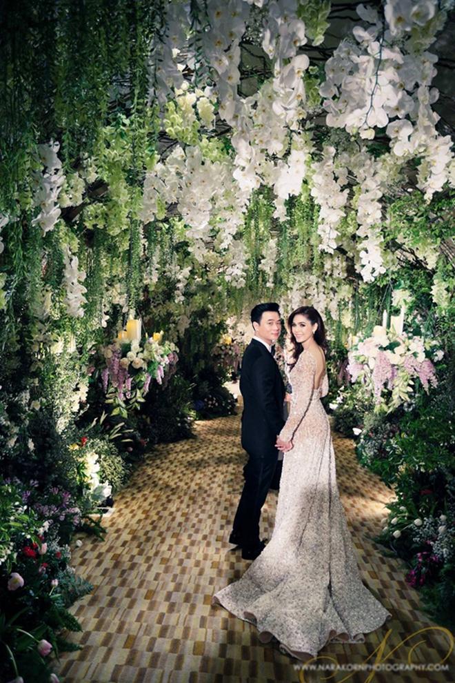 Có ai như minh tinh Thái Chompoo: Đám cưới 70 tỉ đồng, giờ hạ sinh quý tử sinh đôi cho chồng đại gia - Ảnh 8.