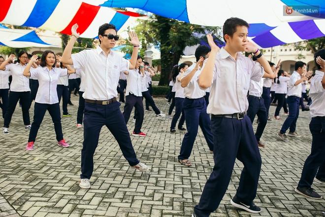 Teen chuyên Lê Hồng Phong (TP.HCM) và màn nhảy flashmob tập thể đầy cảm xúc trong lễ bế giảng - Ảnh 6.