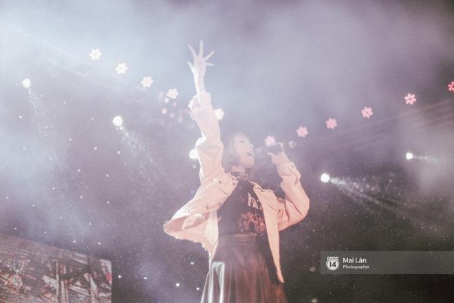 Những cái ôm trong mưa của teen Ams trong đêm hội chia tay đầy cảm xúc - ảnh 6