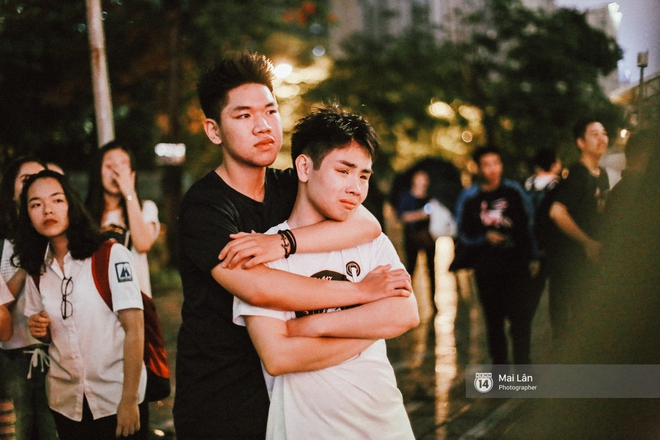 Những cái ôm trong mưa của teen Ams trong đêm hội chia tay đầy cảm xúc - ảnh 21
