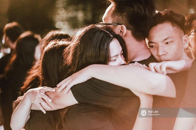 Những cái ôm trong mưa của teen Ams trong đêm hội chia tay đầy cảm xúc - ảnh 28