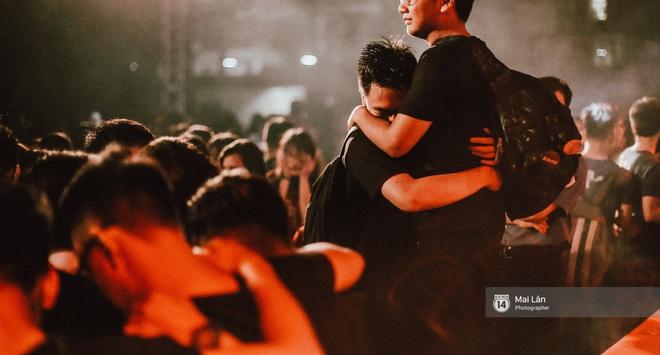 Những cái ôm trong mưa của teen Ams trong đêm hội chia tay đầy cảm xúc - ảnh 26