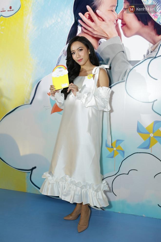 Miu Lê diện trang phục vàng chóe như tên phim, nổi bật trên thảm đỏ  - Ảnh 7.