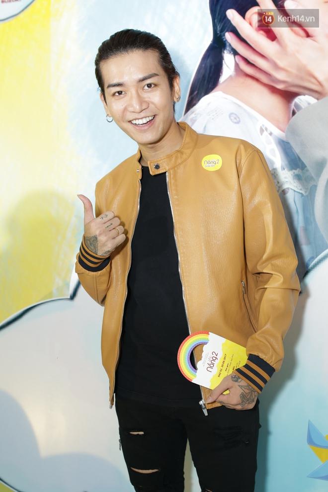 Miu Lê diện trang phục vàng chóe như tên phim, nổi bật trên thảm đỏ  - Ảnh 4.