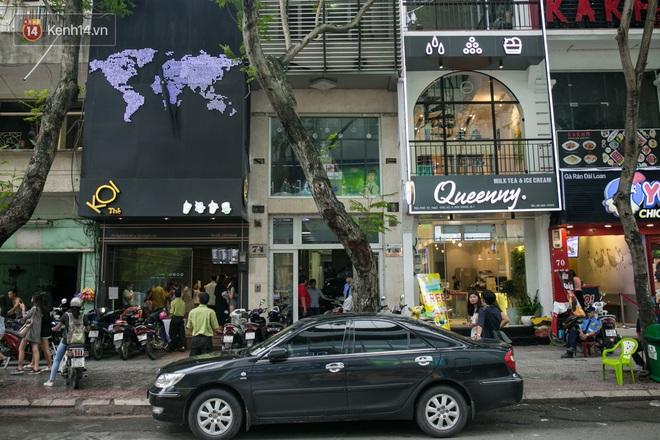 Khu phố đi bộ Nguyễn Huệ đã trở thành phố trà sữa Sài Gòn rồi! - Ảnh 2.