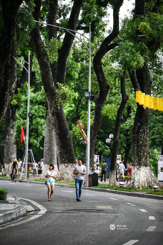 Tròn 1 năm khai trương, phố đi bộ Hồ Gươm đã trở thành một phần không thể thiếu của người Hà Nội - Ảnh 3.