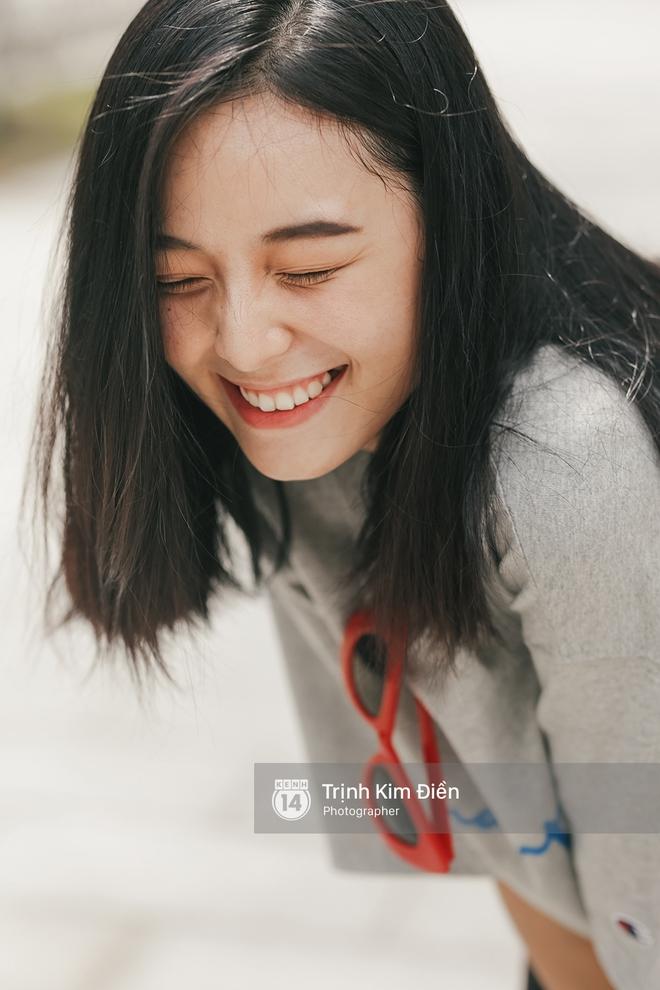 Sinh năm 1999, cao 1m70 - Cô bạn này đang là mẫu lookbook cực hot ở Sài Gòn - Ảnh 7.