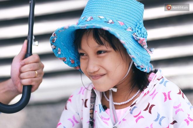 Nhiều người hỗ trợ chỗ học và tặng sách vở miễn phí cho cô trò nhỏ của anh nhân viên ngân hàng - ảnh 8