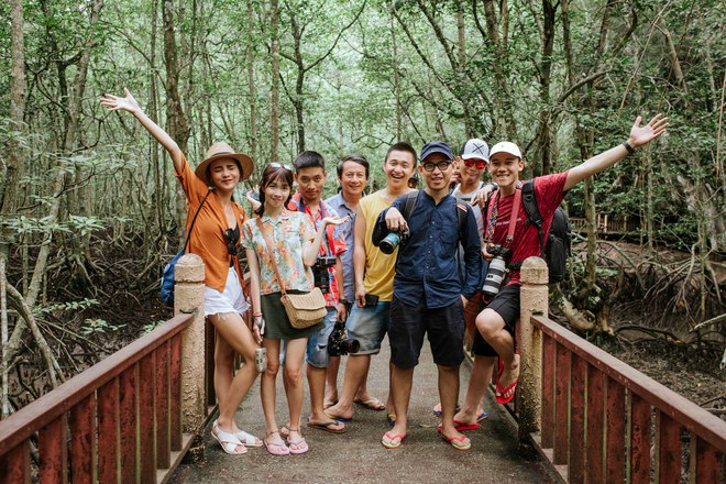 Bạn chọn ai khi muốn đi du lịch, cậu con trai Nghệ An 24 tuổi này rủ ông bố 60 tuổi, và họ có những trải nghiệm cùng nhau lần đầu tiên! - Ảnh 22.