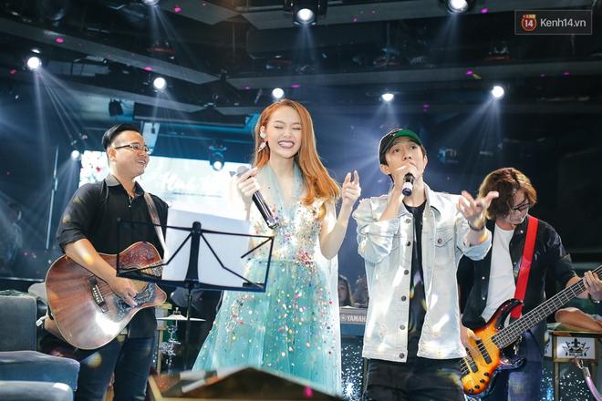 Minh Hằng hạnh phúc đón sinh nhật muộn cùng dàn sao Việt và người hâm mộ - Ảnh 14.